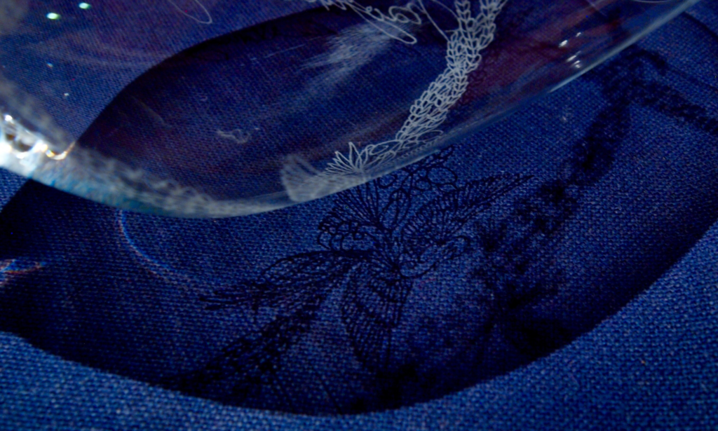 奈良 nara 三五夜 隠れ家 茶室 茶道 紅茶 茶会 紅茶会 ワイングラス 石賀直之 切り絵 切り絵作家 花鳥風月 Darjeeling ダージリン ファーストフラッシュ お茶 JR奈良駅 徒歩 2分 三網田