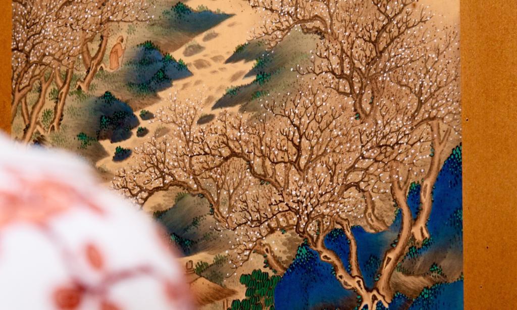 奈良 なら nara 奈良県 奈良市 イベント 珠光茶会 三五夜 さんごや 三五屋 隠れ家 茶室 にじり口 茶会 茶席 月釜 茶道 茶の湯 表千家 濃茶 続き薄 各服点 丸久小山園 椿 つばき ツバキ 加茂本阿弥 白椿 花入れ 古鉄 大西浄林 初代 釜師 大西清右衛門 釜座 寛永 中村宗哲 八代 八代宗哲 井伊宗観 木杓 古梅 茶入れ 木村一陽 一陽窯 備前焼 仕覆 荒磯 主菓子 上生菓子 萬々堂通則 練切 さきがけ 梅 干菓子 鶴屋徳満 奈良之香 寛永堂 丹波黒豆 三種盛り 香道 お香 香 沈香 伽羅 真南蛮 寸聞多羅 五味六国 一ちゅう聞 聞香杯 染付 中宮寺 中宮寺門跡 日野西光尊 日野西 大和尼門跡 大和三尼門跡 尼門跡 法華寺 円照寺 一華開五葉 掛軸 有栖川裂 本金襴 一文字 中廻し 丸釜 利休型 炉 蓋置 奈良絵 赤膚焼 古瀬堯三 人気茶会 少人数 ほっこり ゆったり なごみ 流派問わず JR奈良駅 近鉄奈良駅 徒歩圏内 三条通り 三網田 山田松香木店 松栄堂 煎茶道 煎茶道具 涼炉 急須 茶壺 水注 黒豆茶 茶托 青緑山水 屏風 びょうぶ 香煎 汲出し くみだし 待合 座敷 四君子 いけばな 文人いけばな 竹 梅 蘭 菊 床の間 床飾り 内海吉堂 墨竹 掛軸 南画 瓶花 元興寺 古瓦 書院 書院飾り 月ヶ瀬 梅林 梅渓